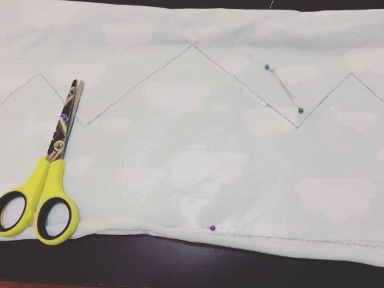costura-corona-cumpleanos-de-tela